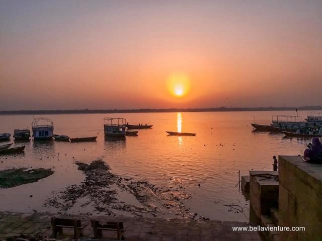 印度 india  瓦拉納西 varanasi 普迦儀式Puja Aarti 晨祭 日出 sunrise