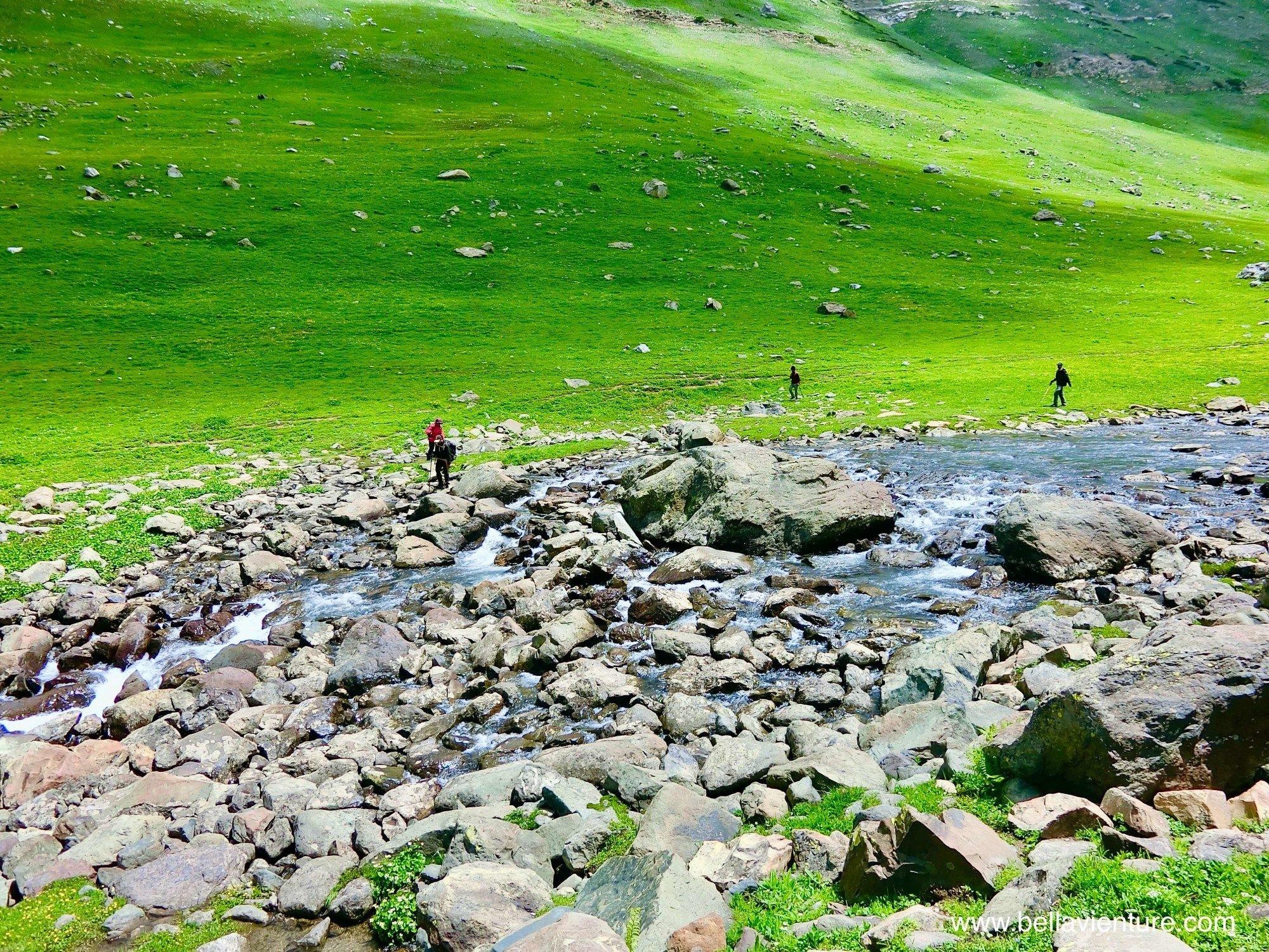印度India 北北印 North India 喀什米爾 Kashmir 大湖健行 trekking 渡河
