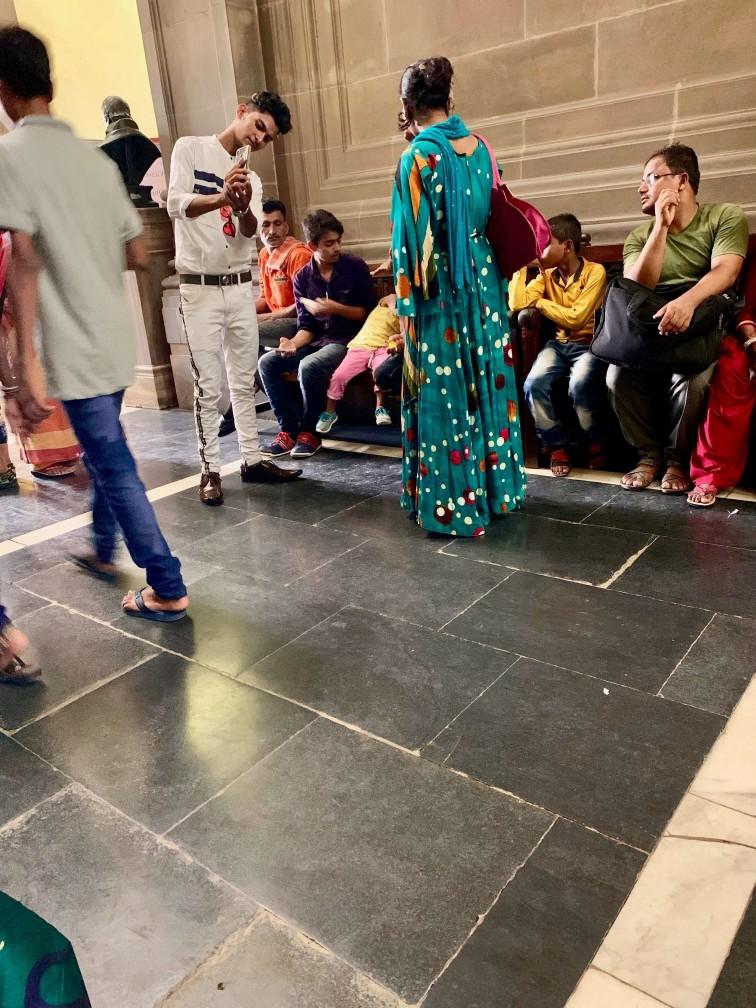 印度 加爾各答 印度大媽 拍照 維多利亞紀念堂