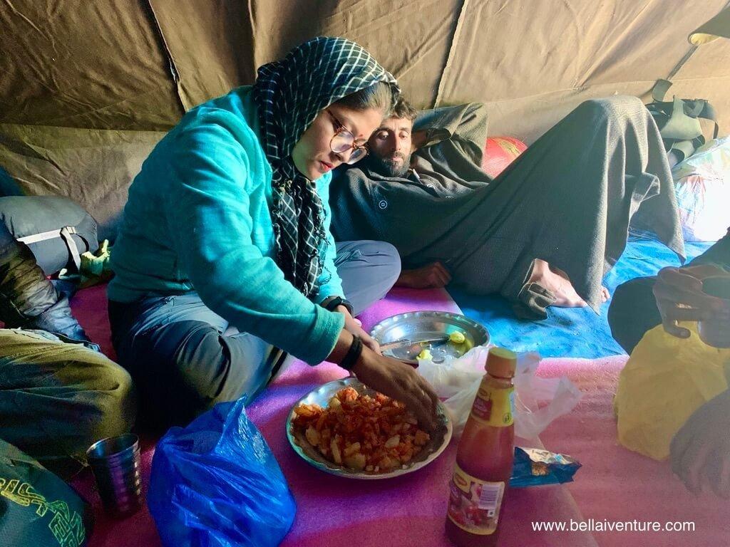 印度 India 北北印  North India 喀什米爾 Kashmir 大湖健行 trekking Kashmir Great Lakes Trek 做午餐