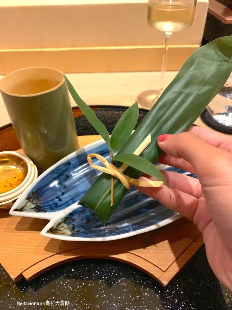 竹葉包的魚肉粽1