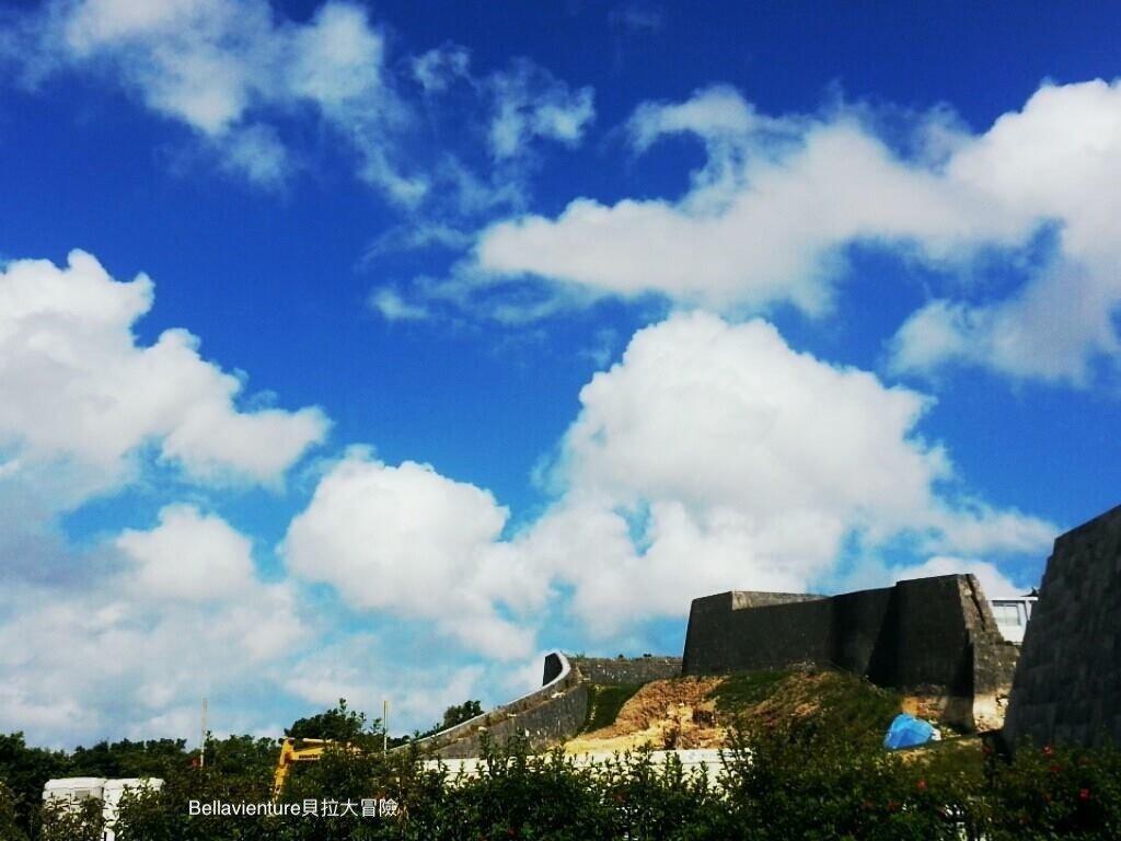 首里城與藍天白雲