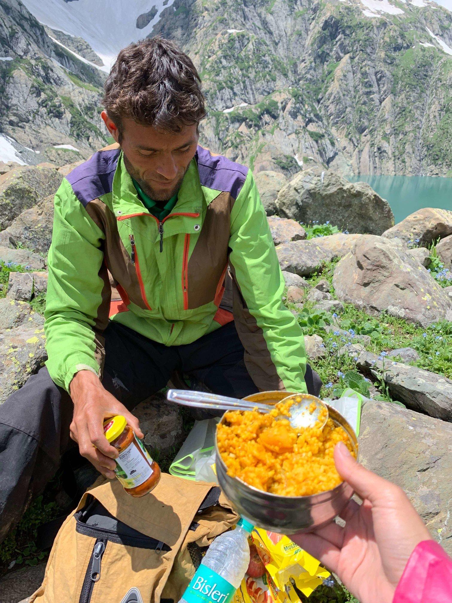 印度India 北北印 North India 喀什米爾 Kashmir 大湖健行 trekking 中餐