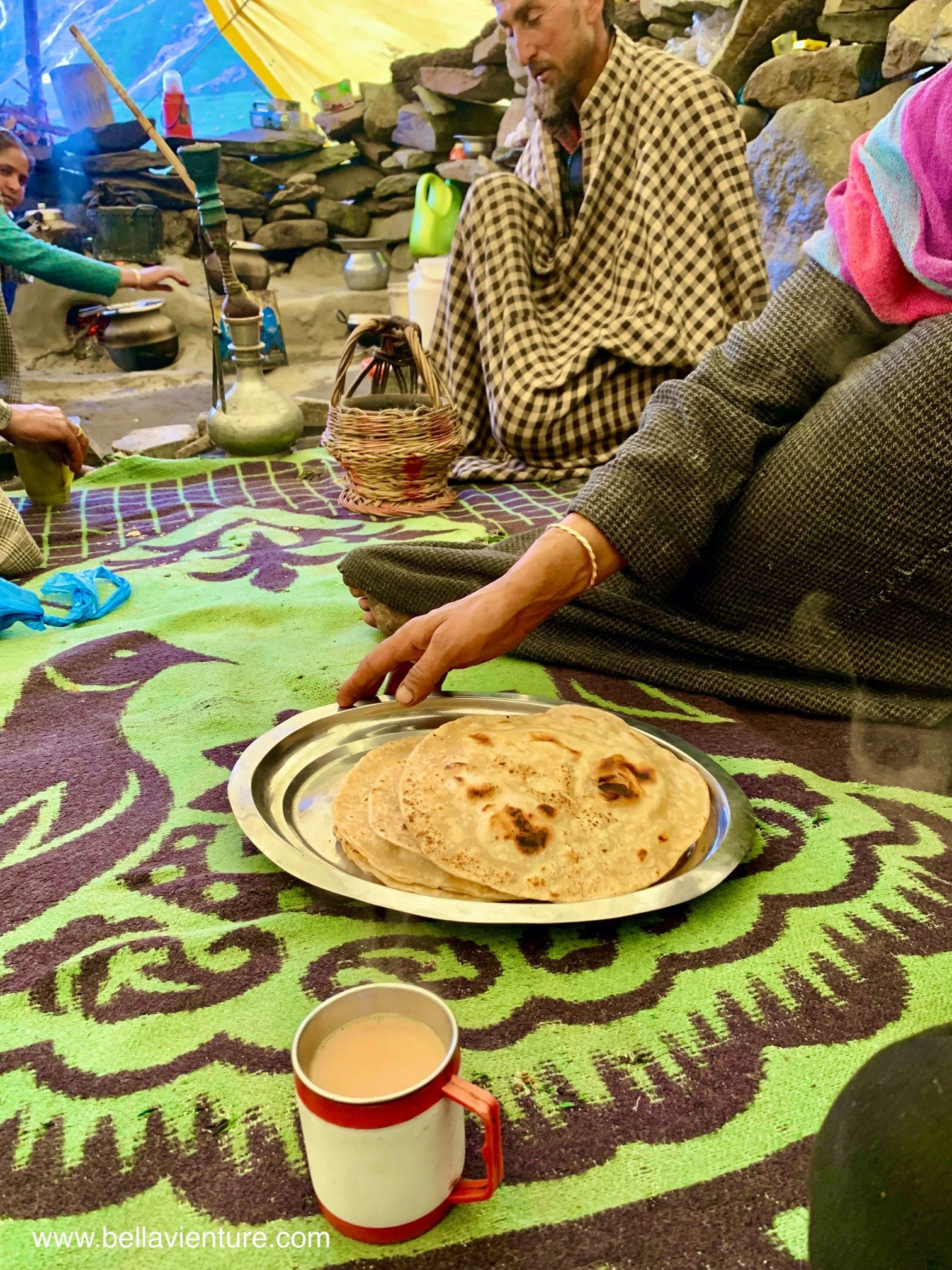 印度 India 北北印 North India 喀什米爾  Kashmir 八天七夜 健行 Nichnai Valley 牧羊人現煮奶茶與手工餅
