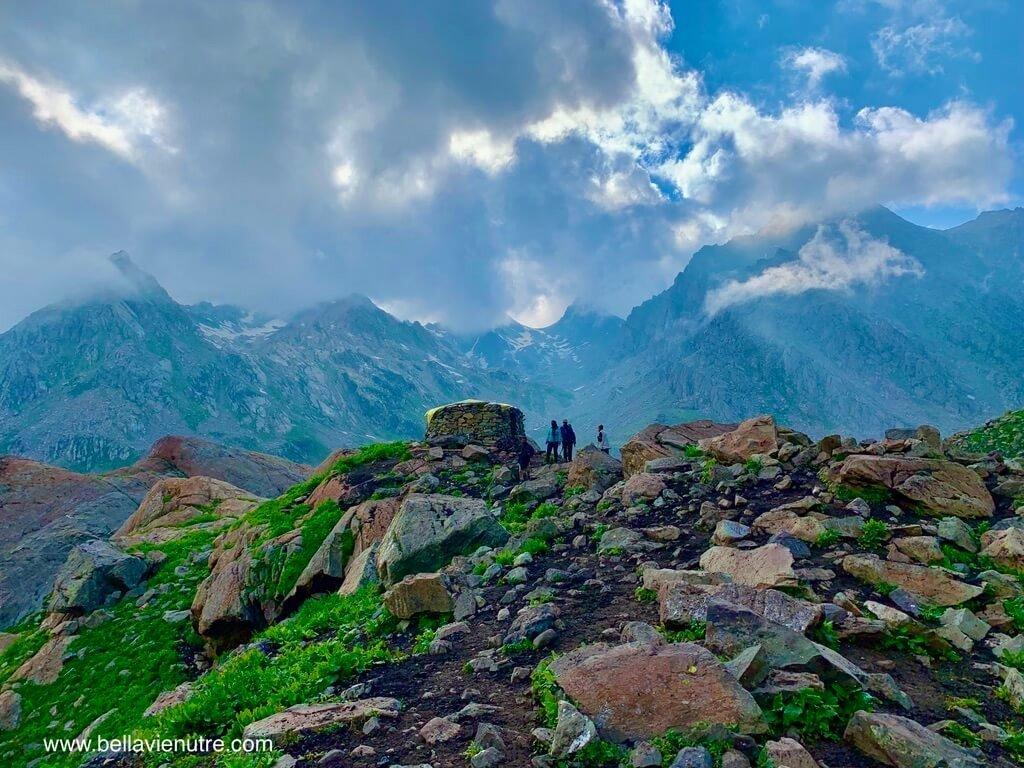 印度 India 北北印  North India 喀什米爾 Kashmir 大湖健行 trekking Kashmir Great Lakes Trek 可怕的大狗