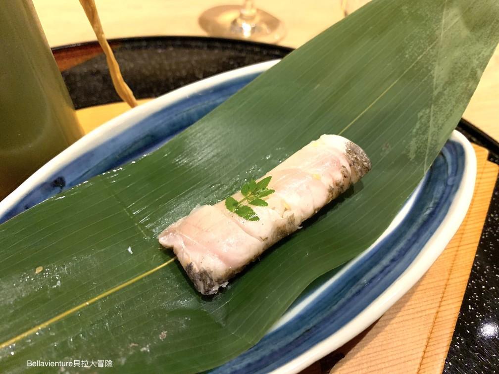 竹葉包的魚肉粽2