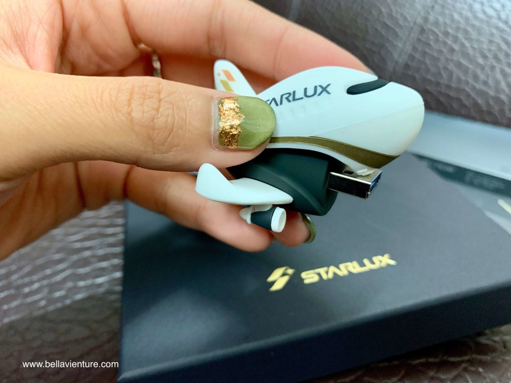 星宇航空STARLUX Airlines 星宇小舖 開箱 飛機造型隨身碟