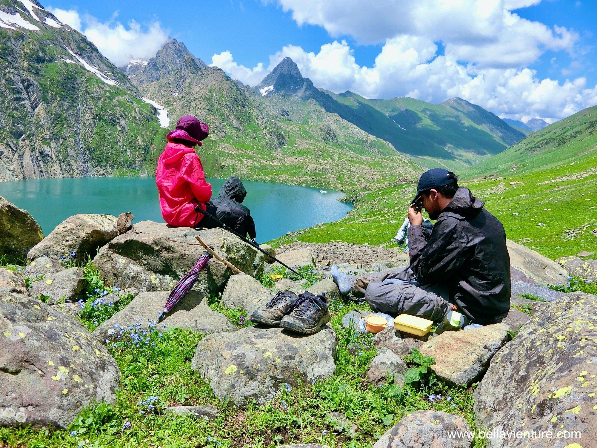 印度India 北北印 North India 喀什米爾 Kashmir 大湖健行 trekking  中午休息