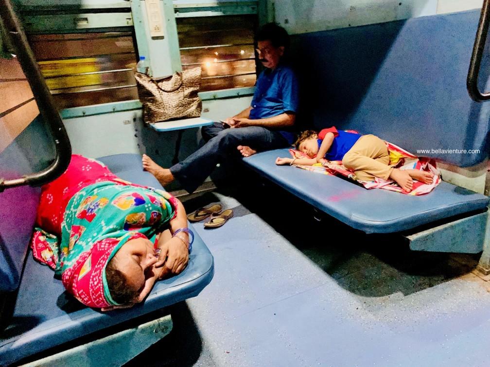 印度 india 瓦拉納西  varanasi 恆河 ganga  火車 sleeper RAC