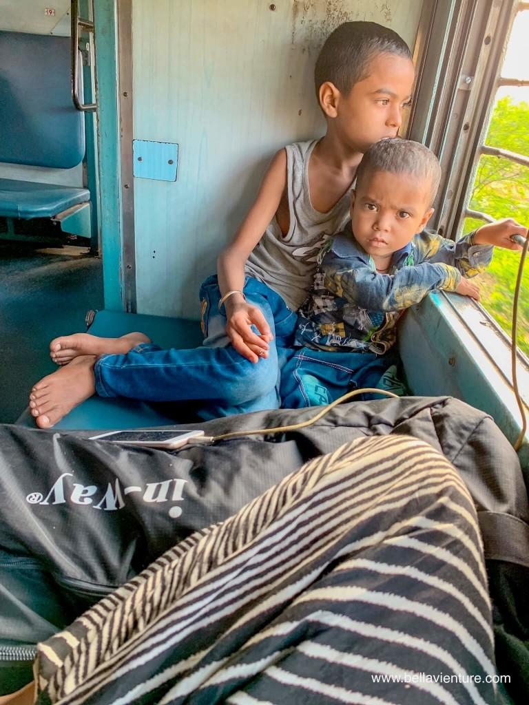 【印度】21天秒決定到印度兩個月!阿格拉(一) Day18 潑酸受害者咖啡廳.阿格拉堡. Baby Taj Mal