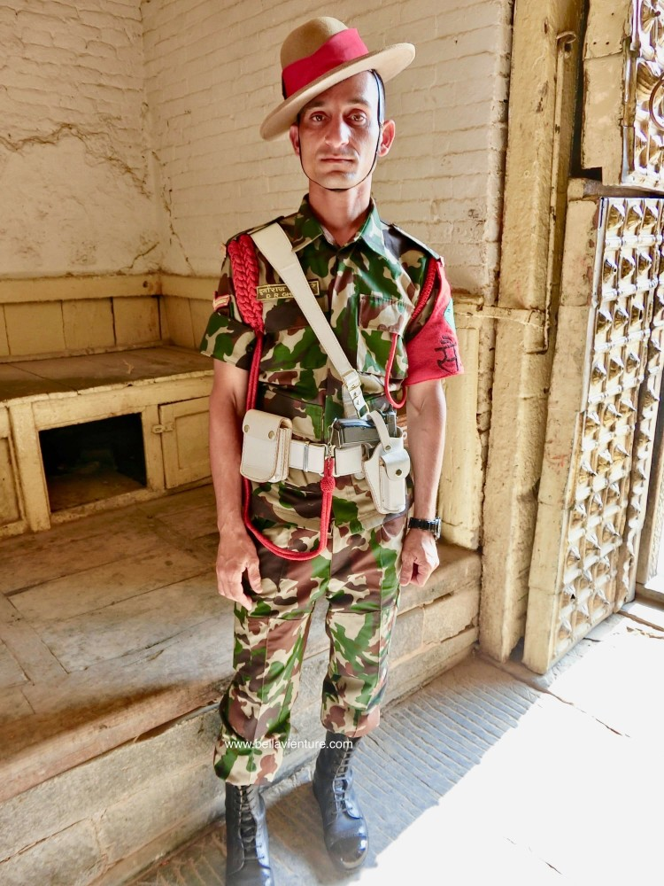 尼泊爾 加德滿都 廣場 警衛