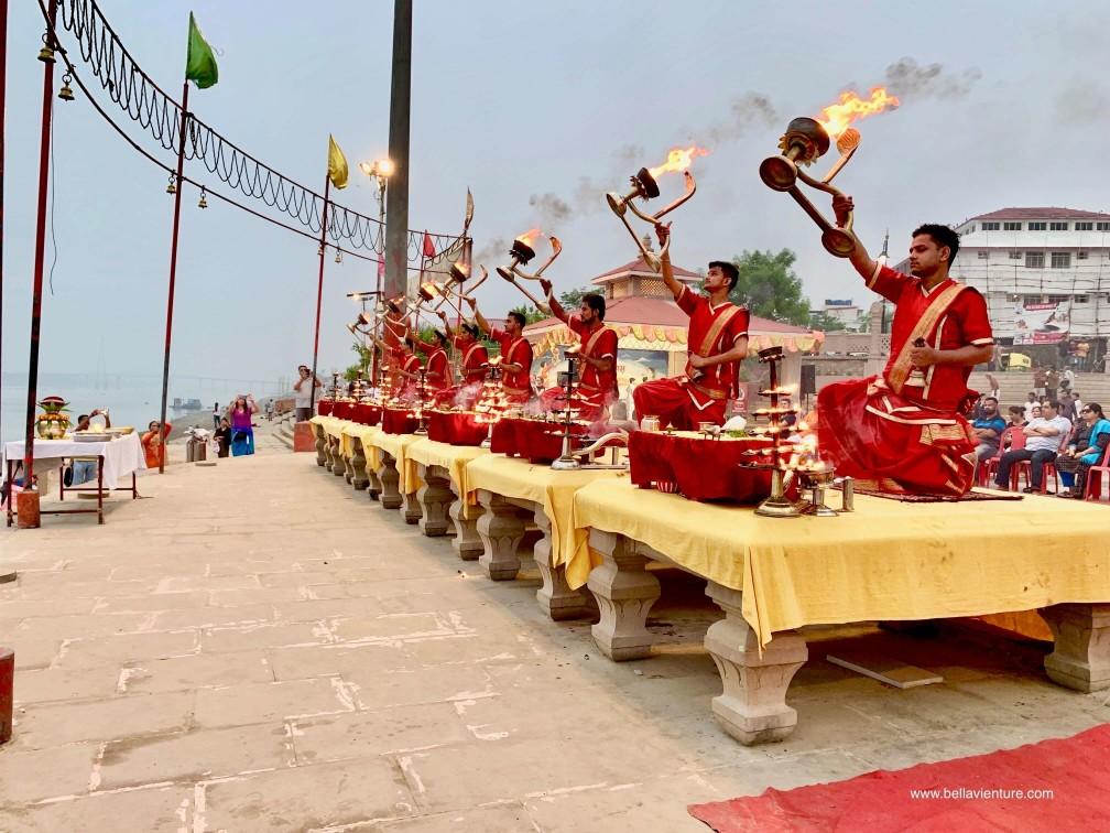 印度 india  瓦拉納西 varanasi 普迦儀式Puja Aarti 晨祭