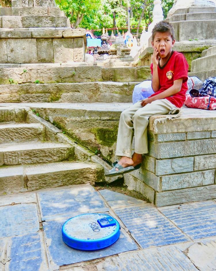 斯瓦揚布納特佛寺Swayambhunath猴廟 monkey temple 體重機 攤販