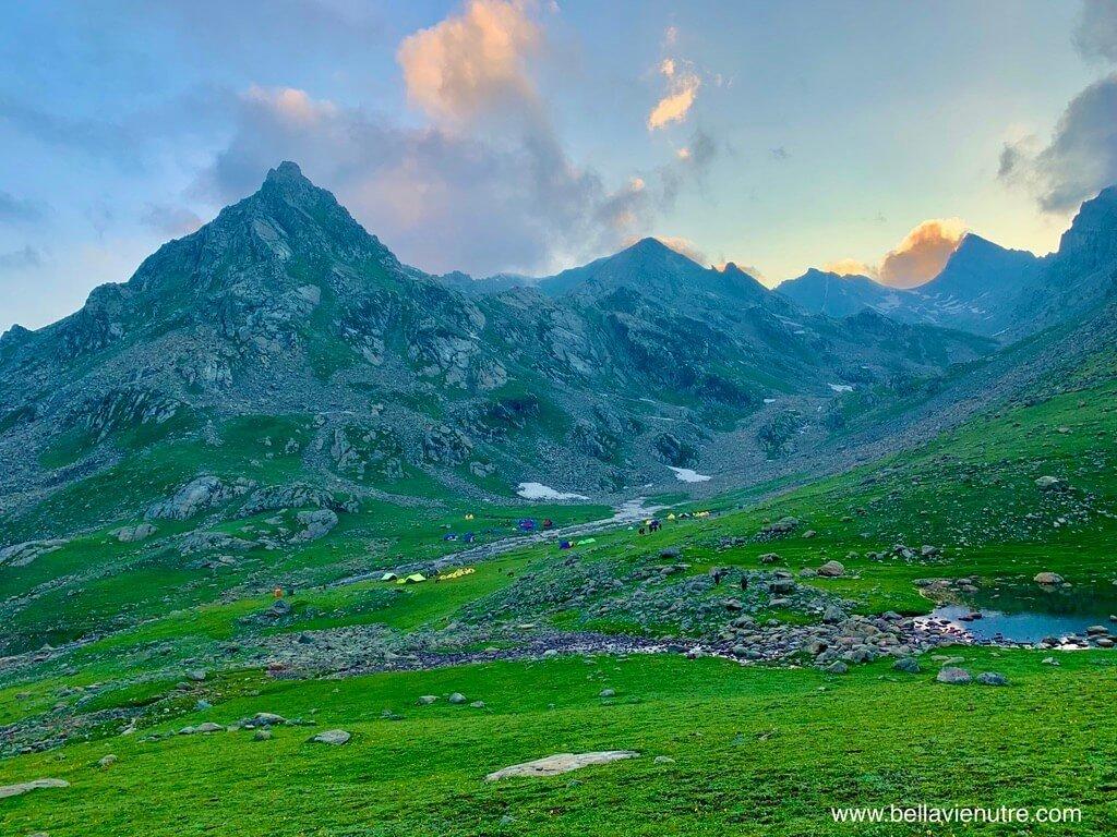 印度 India 北北印  North India 喀什米爾 Kashmir 大湖健行 trekking Kashmir Great Lakes Trek 夕陽下的山景