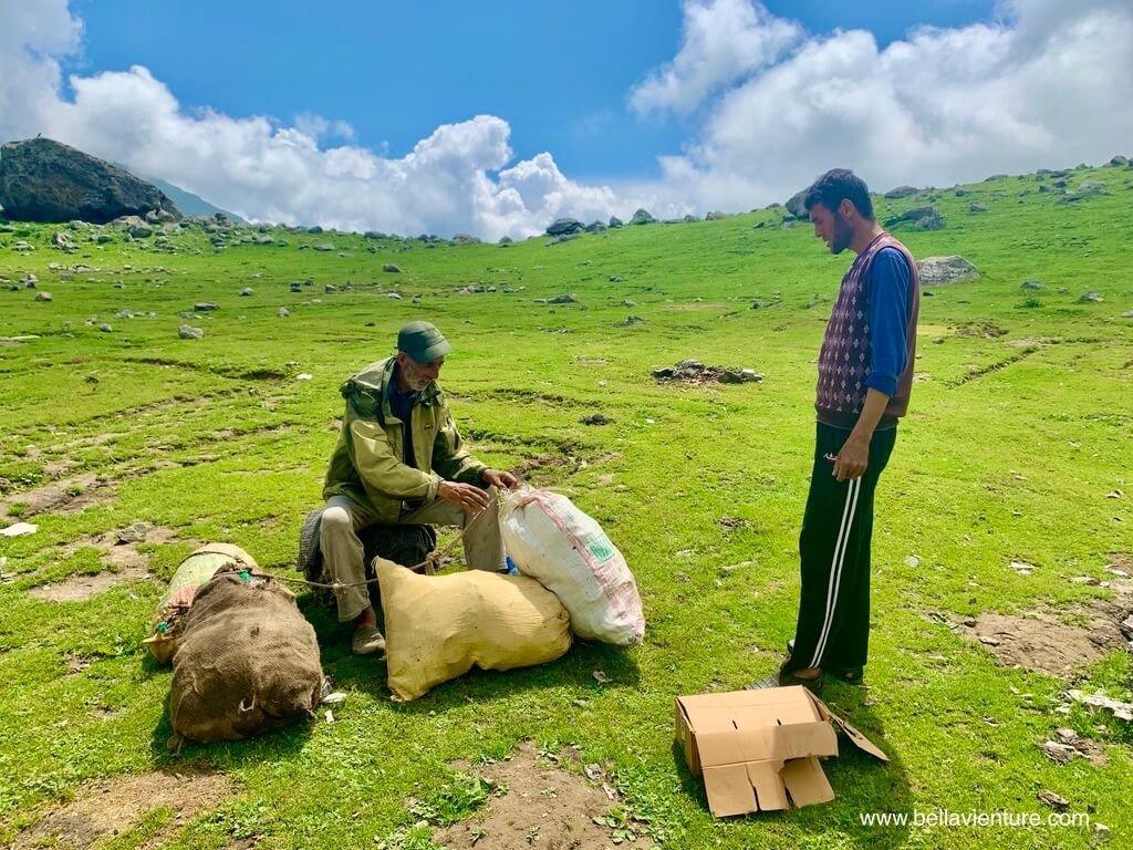 印度 india 喀什米爾 kashmir 大湖健行big lake treakking 淨湖 搜集垃圾