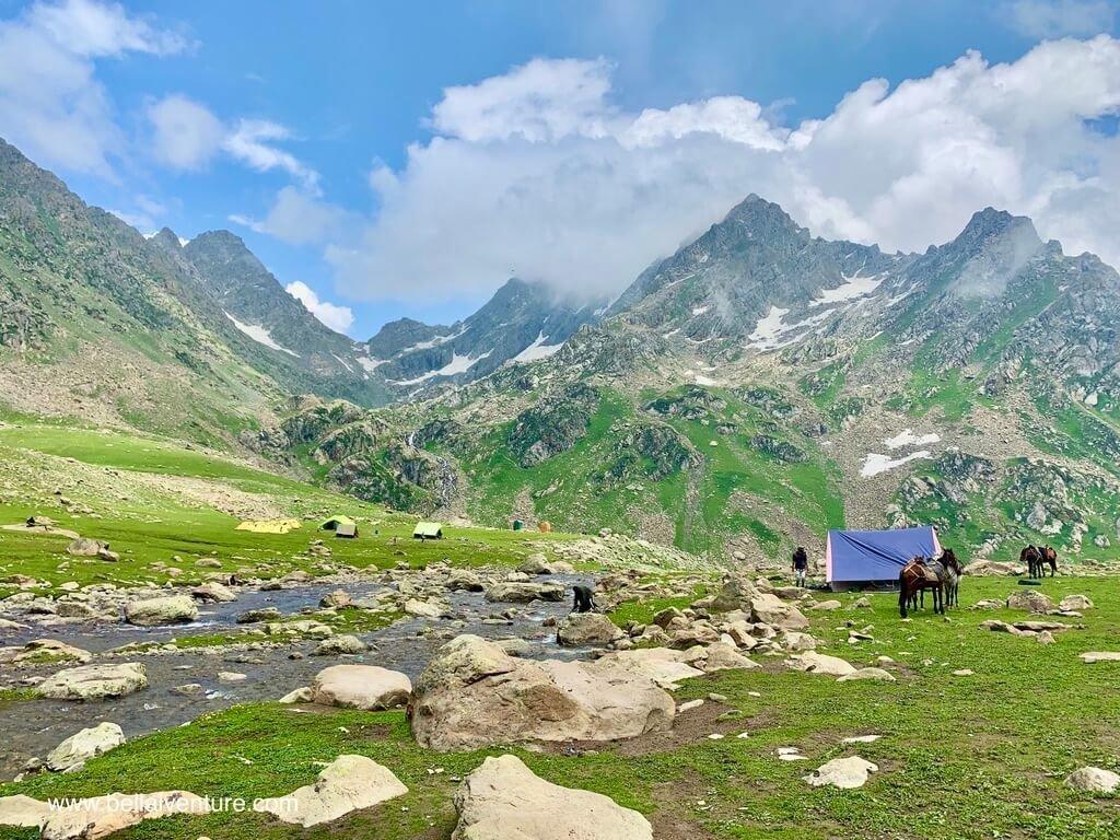 印度 India 北北印  North India 喀什米爾 Kashmir 大湖健行 trekking Kashmir Great Lakes Trek 河邊