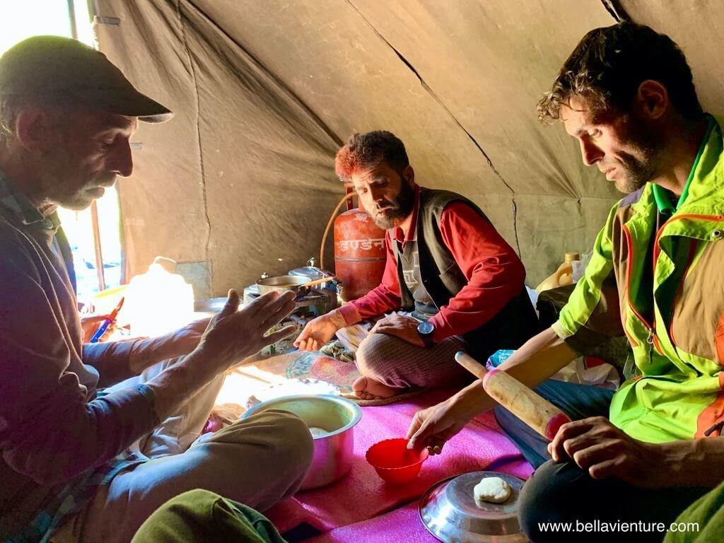 印度India 北北印 North India 喀什米爾 Kashmir 大湖健行 trekking 做餅