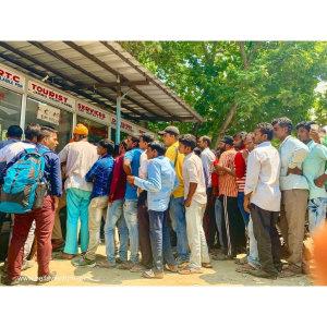 【印度】21天秒決定到印度兩個月!喀什米爾(十三)Day60 11小時巴士站終於等到開往新德里的巴士